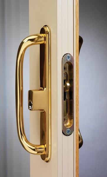 Exterior View | Polished Brass Handle & Lock (Standard on Woodgrains and Two-Tone Doors)